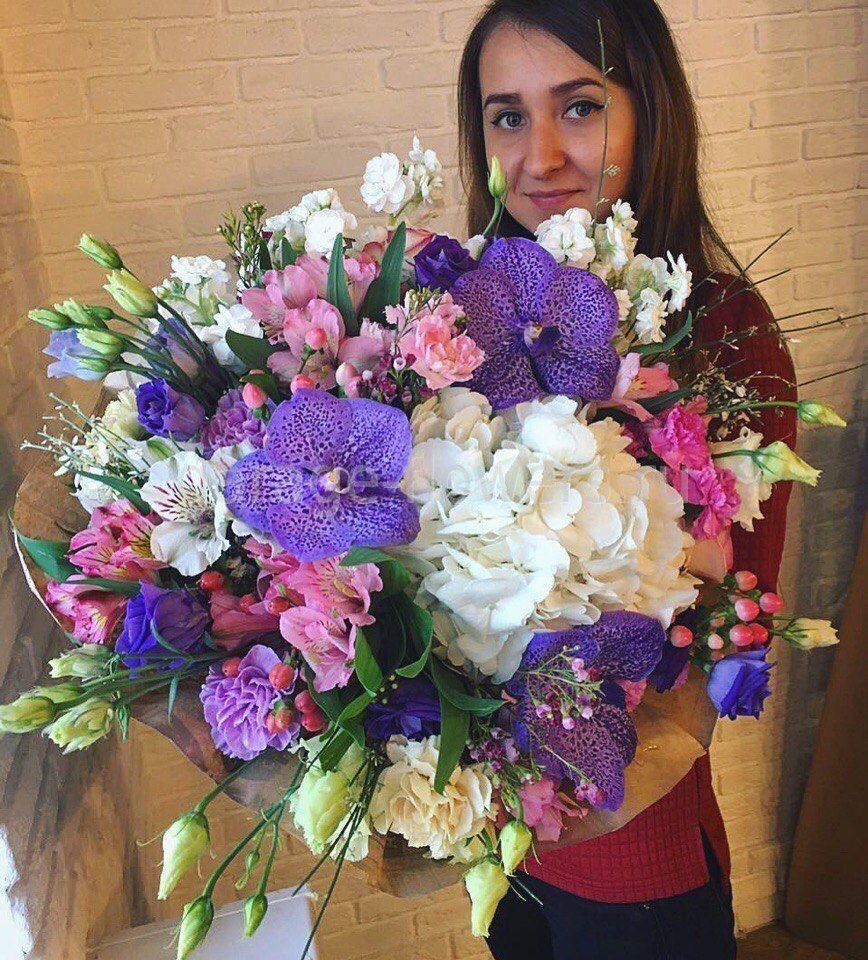 Цветы на 18 летие дочери, магазинов букет
